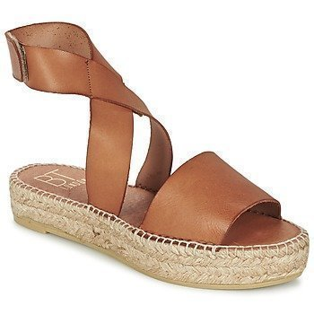 Betty London EBALUIE sandaalit