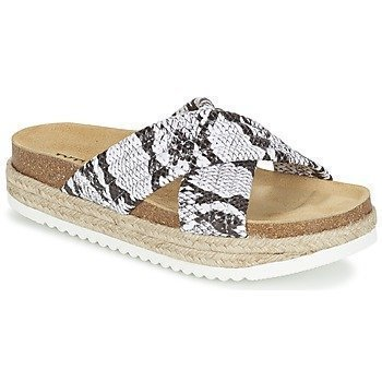 Betty London EMOUNE sandaalit