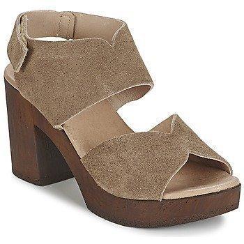 Betty London ETIANA sandaalit