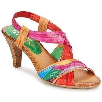 Betty London POULOI sandaalit