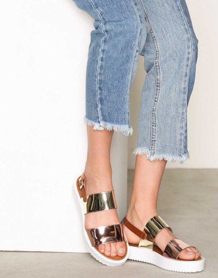 Bianco Flatform Strap Sandal Sandaalit Kulta