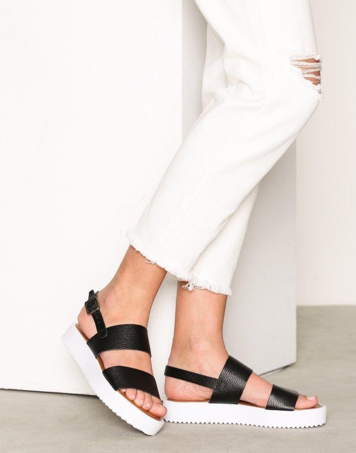 Bianco Flatform Strap Sandal Sandaalit Musta