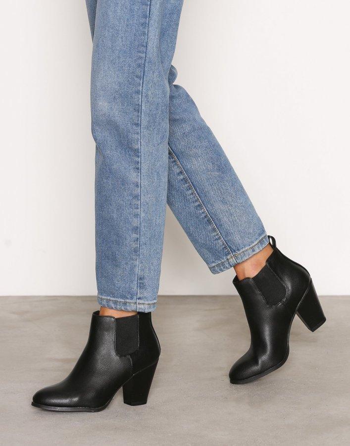 Bianco Heel Chelsea Boot Bootsit Black