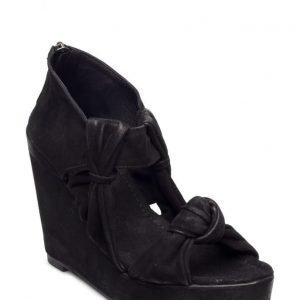 Black Lily Nehlo Wedge