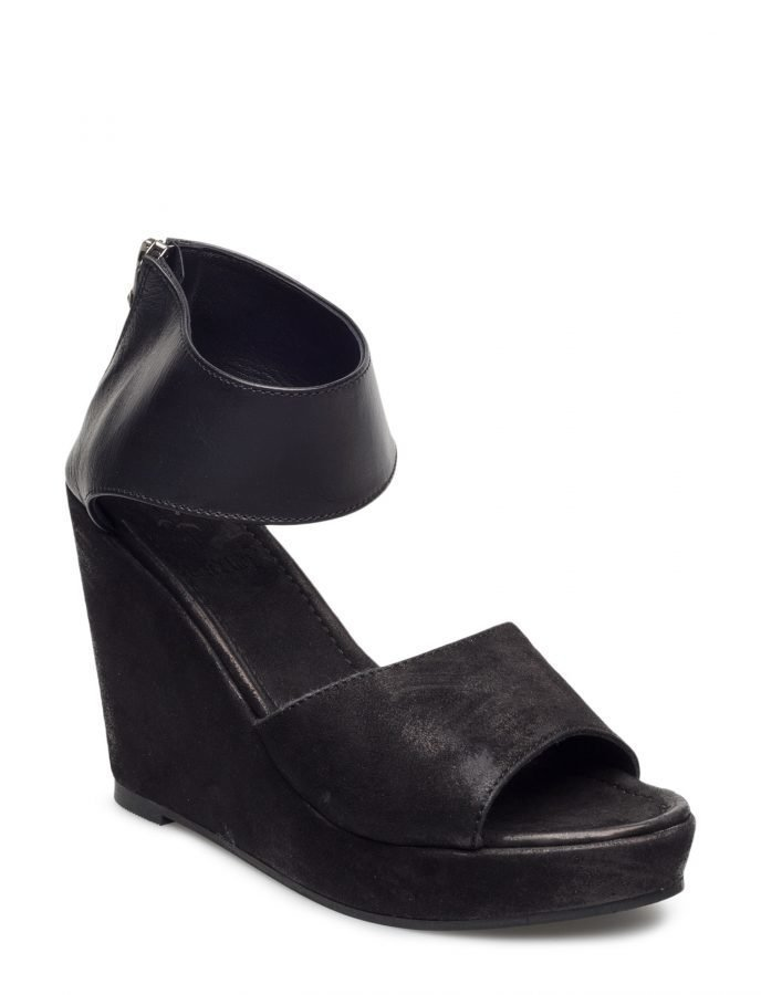 Black Lily Nila Wedge