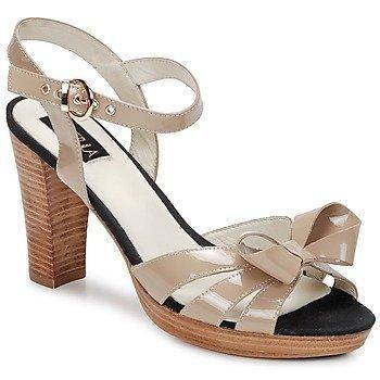 C.Petula PIN-UP sandaalit