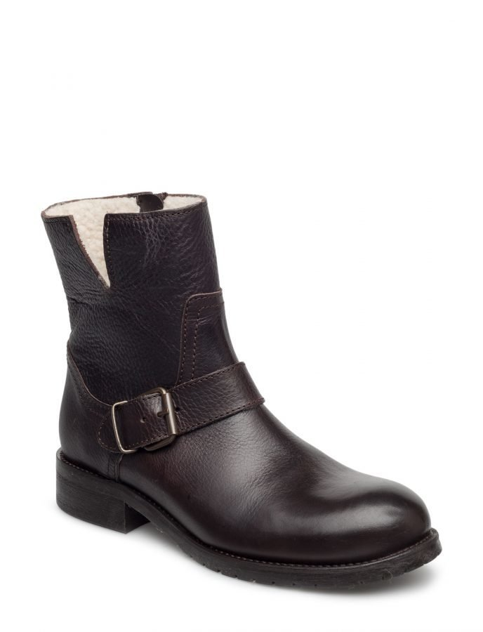 Carla F Boots