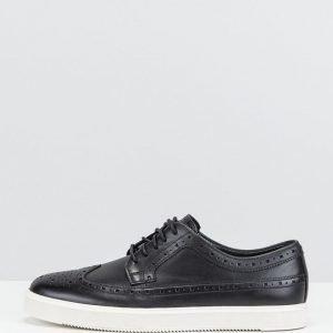 Clarks sneakerit