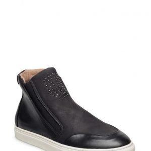 Cream Iris Sneakers