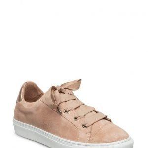 Cream Puk Sneakers
