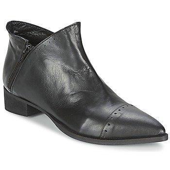 Dixie CASTLO bootsit