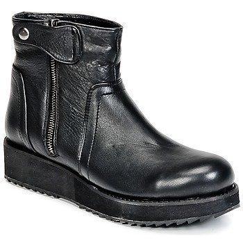 Dixie FERGIE bootsit