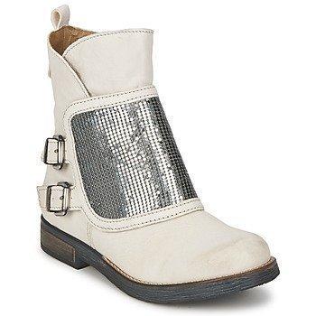Dkode HERA bootsit