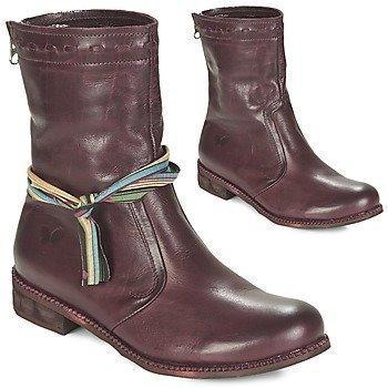 Felmini BERTHA bootsit