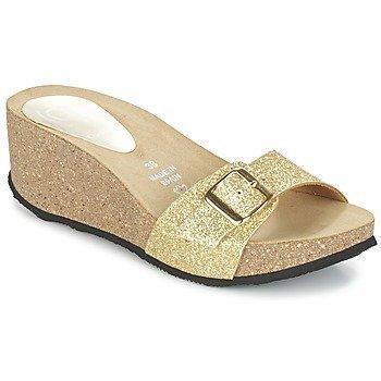 Ganadora AMEL sandaalit
