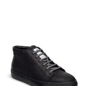 Hope Al Sneaker