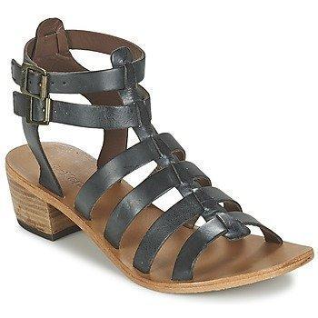 Kickers KHÔALA sandaalit