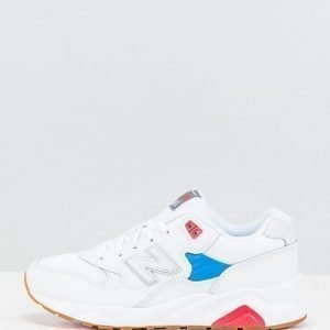 New Balance sneakerit