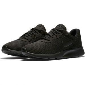 Nike Tanjun Ulkoilukengät Musta