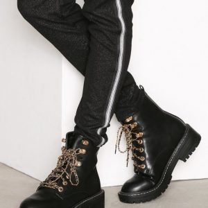 Nly Shoes Chain Lace Boot Bootsit Musta
