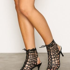Nly Shoes Cut Out Bootie Sandaletit Musta