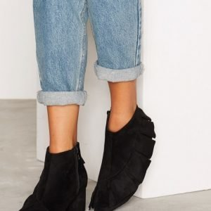 Nly Shoes Ruffle Boot Nilkkurit Musta