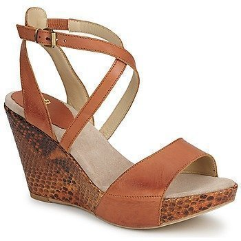 Now RHO sandaalit