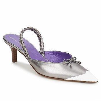 Parallèle JAKI sandaalit