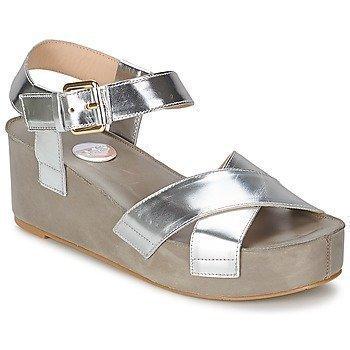 RAS NIOBE sandaalit