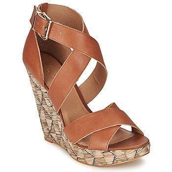 Ravel Kennedia sandaalit