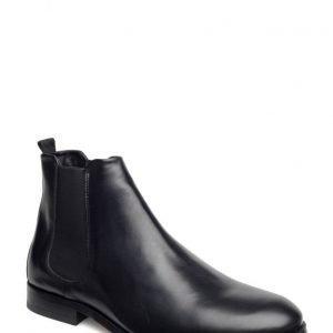Royal RepubliQ Cast Chelsea Shoe Classic