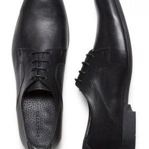 Selected Kengät