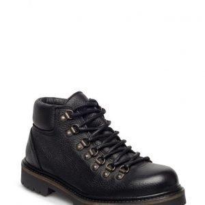 Shoe The Bear Aurora B