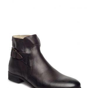 Shoe The Bear Eliot L
