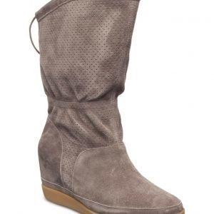 Shoe The Bear Emmy Iii
