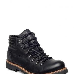 Shoe The Bear Russ Bla