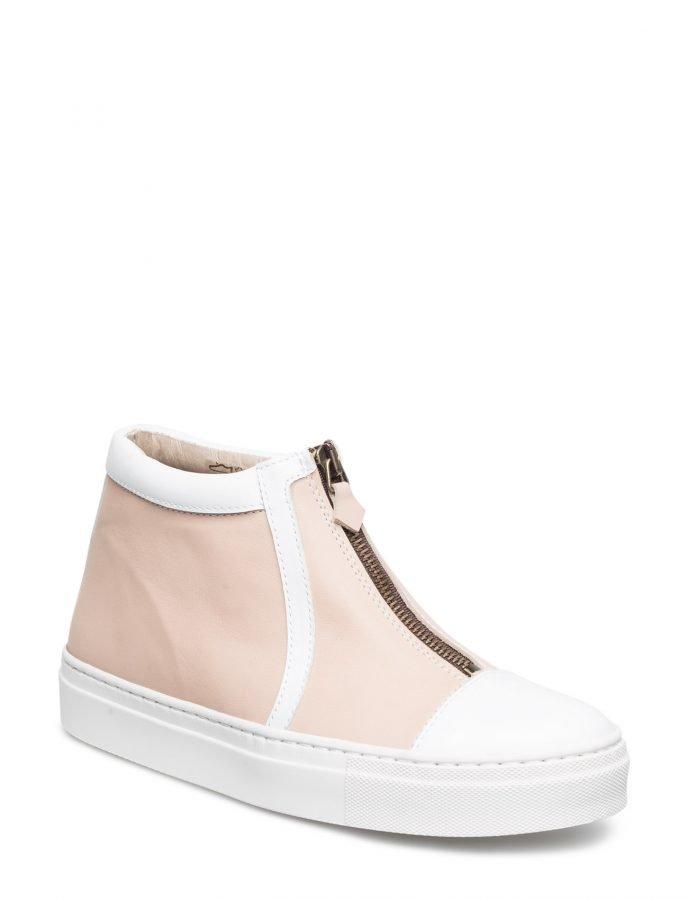 Shoe shi bar Fatime
