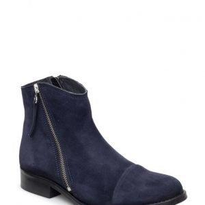 Shoebiz Short Boot