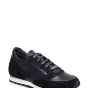 Stylesnob Geena Sneaker
