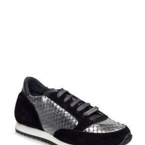 Stylesnob Giselle Sneaker