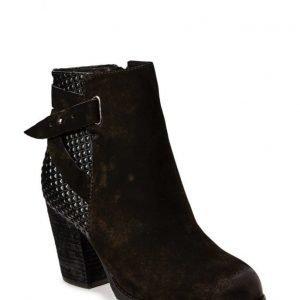 Stylesnob Rhea Boot