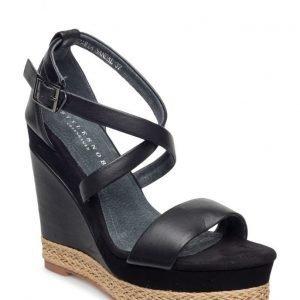 Stylesnob Zaria Sandal