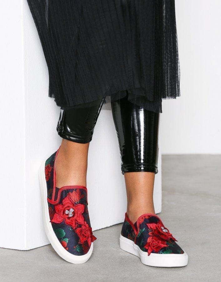 Topshop Embroidered Slip On Shoes Slip-On Kengät Red