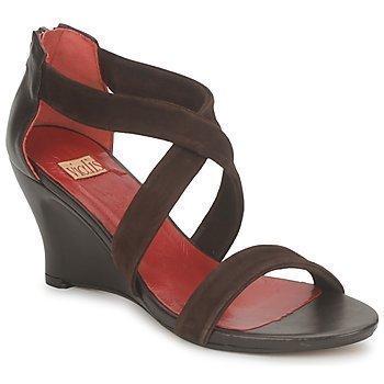 Vialis NIVEL sandaalit
